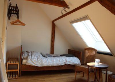 Einzel stehendes Bett in DZ 1