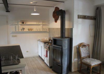 Küchenbereich mit Ofen