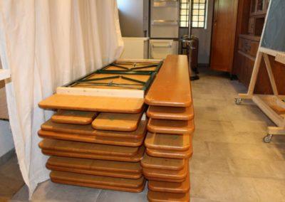 6 Garnituren ohne Lehne 4 mit Lehne